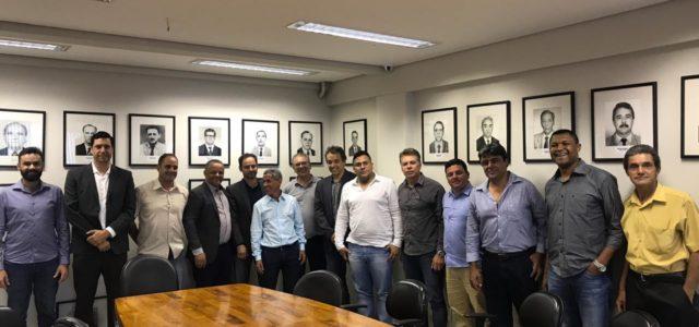 Uma comitiva de vereadores se reuniu na tarde de quarta-feira (20) com o Coordenador de Engenharia do DNIT – Departamento Nacional de Infraestrutura e Transportes Sergio Garcia para cobrar melhorias […]
