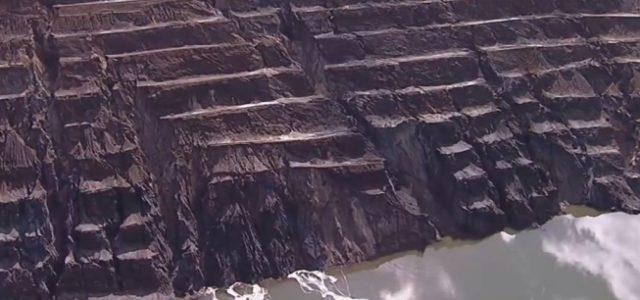 Subiu para 51,8 centímetros por dia a velocidade de movimentação do talude norte da cava da mina de Gongo Soco, em Barão de Cocais. O relatório, divulgado no domingo (23) […]