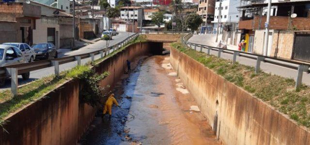 Para prevenir enchentes no período chuvoso, a Prefeitura, por meio da Secretaria Municipal de Desenvolvimento Urbano (SMDU), deu início hoje (19) ao processo de limpeza do Canal do Gabiroba, localizado […]