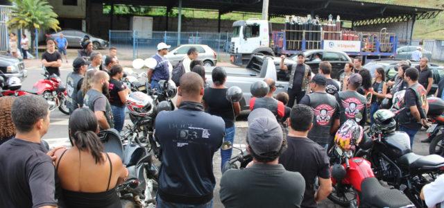 """Cerca de 70 motociclistas compareceram à """"motociata"""" que foi organizada em protesto contra a morte da jovem Tailine Stefan Lopes Lourenço, de 28 anos, morta um dia após bater de […]"""